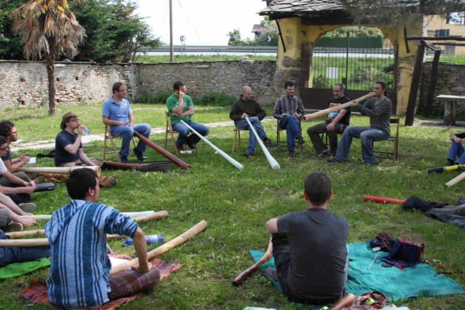 Risultati immagini per ritiro didgeridoo